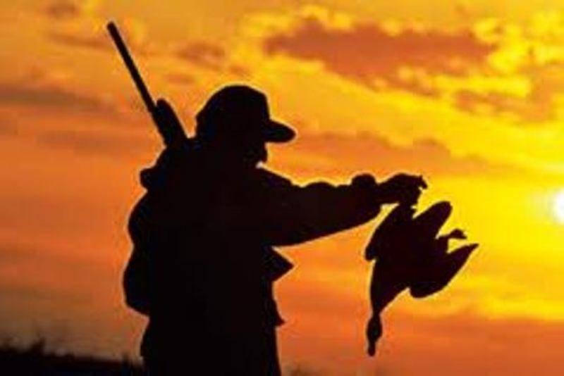 2 مامور یگان حفاظت اردکان در تعقیب و گریز شکارچیان، مصدوم شدند