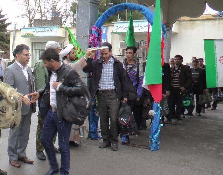 کاروان راهیان نور محلات عجب شیر به جنوب کشور اعزام شد