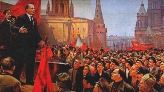 دکتر مالجو با تمرکز بر تشابه شکلی برنامهریزی و اقدامات اجرایی رهبری انقلاب اکتبر در تصرف قدرت سیاسی با کودتا، به این نتیجه میرسد که انقلاب اکتبر را از این منظر میتوان یک کودتا دانست و توجهی به این موضوع ندارد که در یک برداشت درست و علمی تنها شکل سیاسی یک رویداد سیاسی نیست که آن را به عنوان کودتا یا انقلاب معرفی میکند بلکه مجموعهای از ویژگیهاست که بر این انتساب عنوان دلالت پیدا میکنند