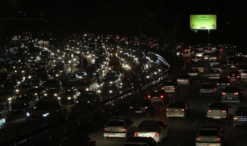 ترافیک در آزادراه قم - تهران سنگین و روان است