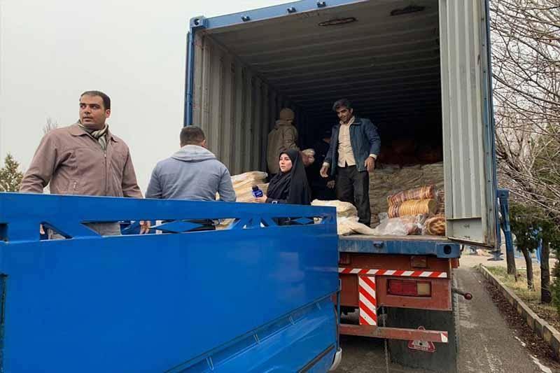 2 کامیون کمک مردمی از زنجان به لرستان ارسال شد