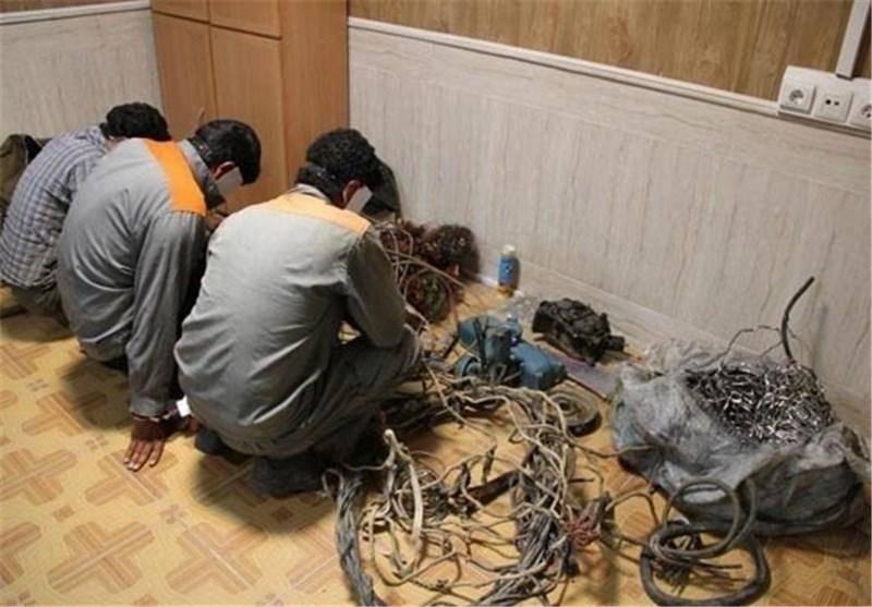 سارقان پنج تن سیم برق در اهواز دستگیر شدند