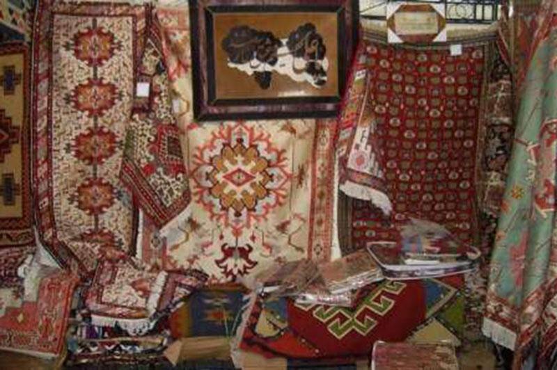 ثبت نام هنرمندان صنایع دستی استان مرکزی برای نشان ملی آغاز شد