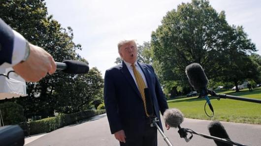دونالد ترامپ رییس جمهوری آمریکا بار دیگر هشدار داد هر حمله به هر هدف آمریکایی با پاسخ قدرتمند و کوبنده روبرو خواهد شد. حسن روحانی تحریم های تازه ی آمریکا را «وقیحانه» و «احمقانه» خوانده بود