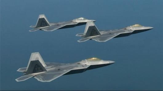 نیروی هوایی آمریکا همزمان با افزایش تنش ها بین این کشور و جمهوری اسلامی، چند جنگنده رادارگریز «اف-۲۲» را برای تقویت حضور نظامی خود در خاورمیانه به قطر اعزام کرد