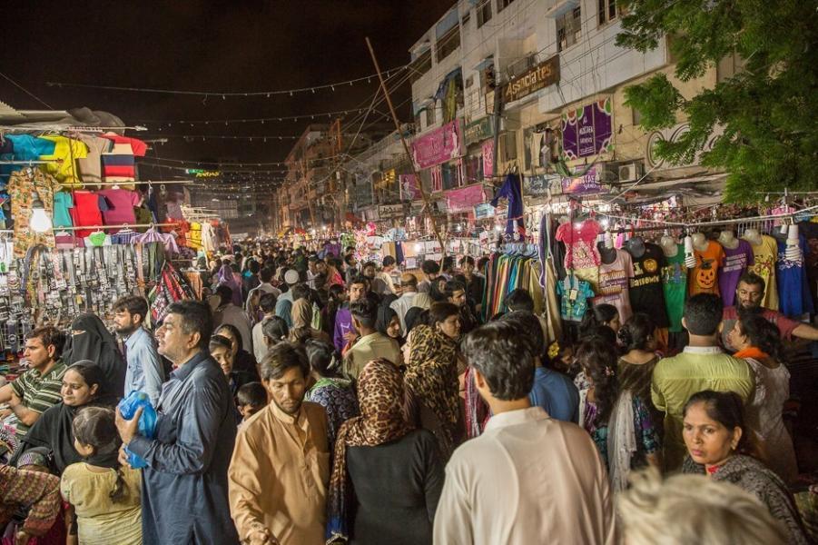 رونق بازارهای پاکستان با کالاهای ایرانی + فیلم