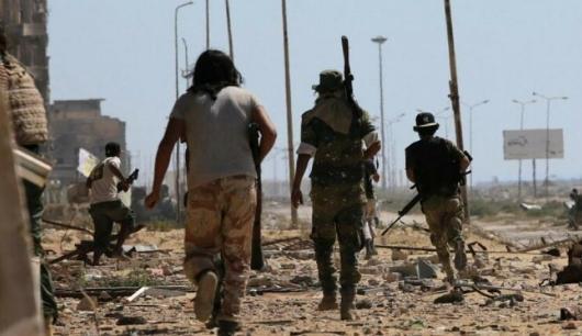 برای یک تحلیلگر مستقل و فارغ از وابستگی به این دسته بندی های دوگانه بررسی اوضاع لیبی می تواند در چارچوب بی ثبات سازی منطقه یی، رقابت های ژئوپلتیک، چرایی دخالت خارجی برای سرنگونی یک دولت مستقل، نقش مخرب دخالت خارجی در یک ساختار قبایلی، به حاشیه رفتن اراده توده ها در مقابل خواست و اهداف گروهبندی های نظامی قدرتمند و عدم توان نهادهای حقوقی در جامعه بین الملل جهت مدیریت بحران، انجام گیرد