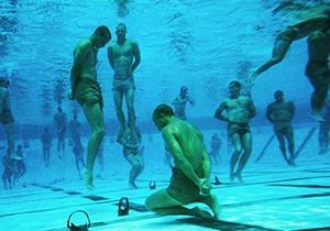 تمرین نظامی دشوار در اعماق آب بدون استفاده از کپسول اکسیژن + فیلم